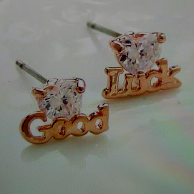 韓版水鑽耳環(飾品出清滿300免運費)