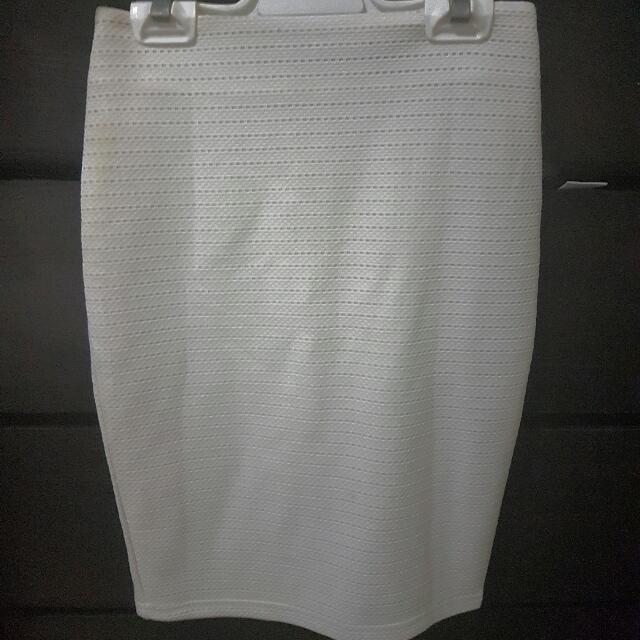 Avery White Skirt Size 6