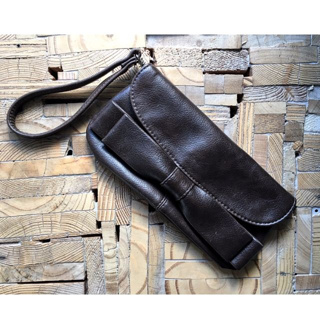 Brown 'bow' Clutch