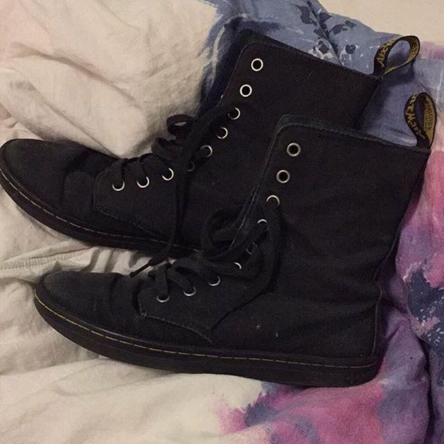 Canvas Dr Martens Size 38 Or 7