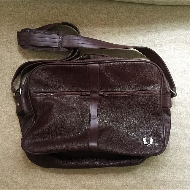 Fred Perry Sling Messenger Leather Bag Brown