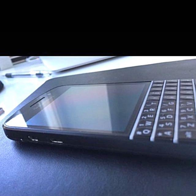 Gently Used Blackberry Q10