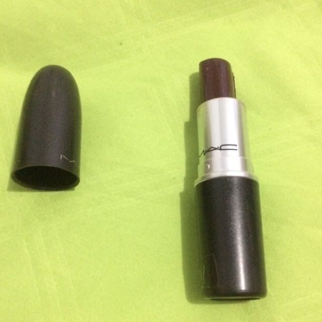 mac lipstick prince noir (matte)