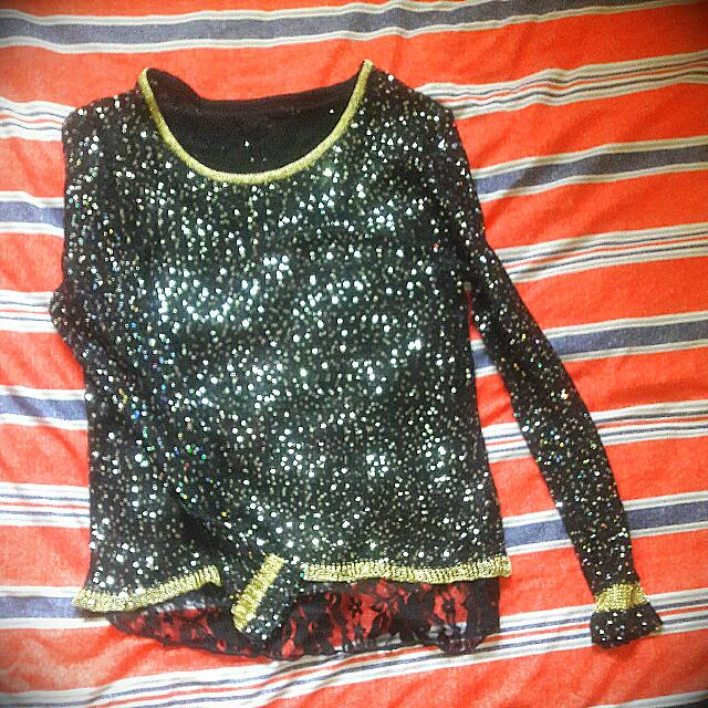 shimmery top woth lace back