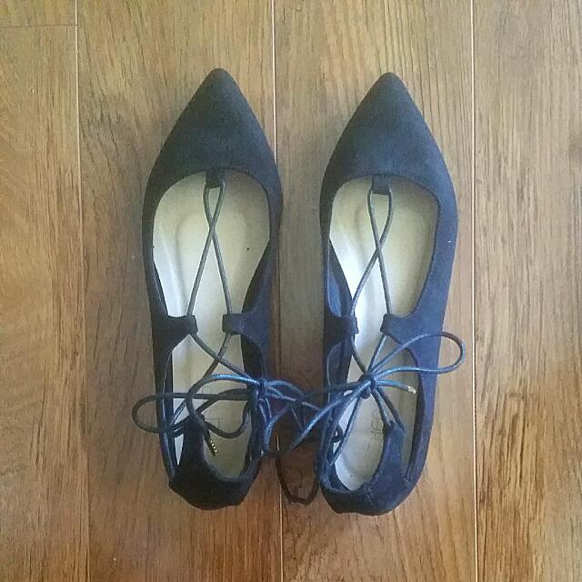Therapy Lace-up Pointed Flats