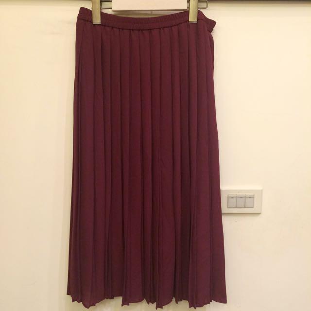 Uniqlo酒紅色百褶裙