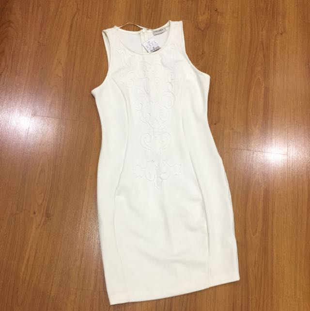 White Dress Pull N Bear