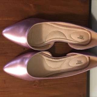 Avon Cushion Walk Pink Flats Size 8