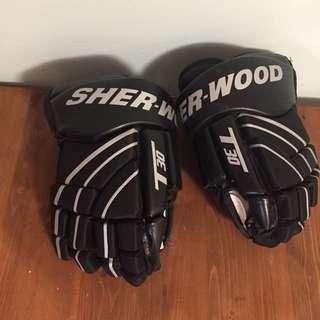 "Sherwood Hockey Gloves Small 11"""
