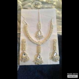 Beautiful 4 Piece Jewelry Set
