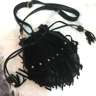 Black Bucket Bag by Nastygal