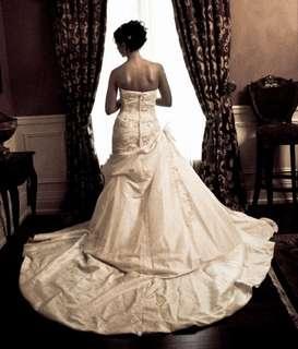 Pronovias, Lace Bolero Wrapgown, Size 8 Wedding Dress