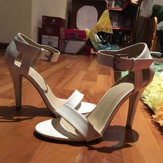 NOVO White Heels