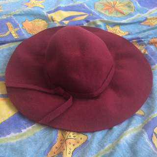 Wool maroon autumn hat