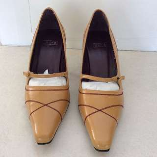 Woman Leather shoes Made in Spain Size eur 36 Almost New