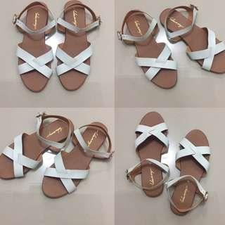 Luluswing sandals