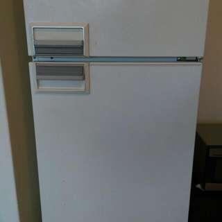 Fridge Freezer 400L