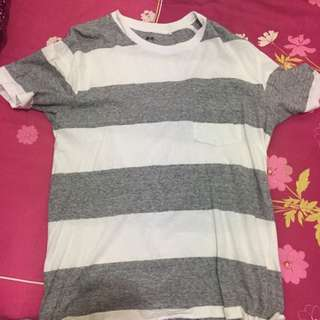 Uniqlo T-shirt Size M