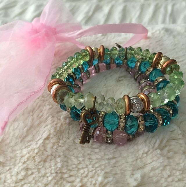 3 Colourful Bracelets + BONUS Organza Bag
