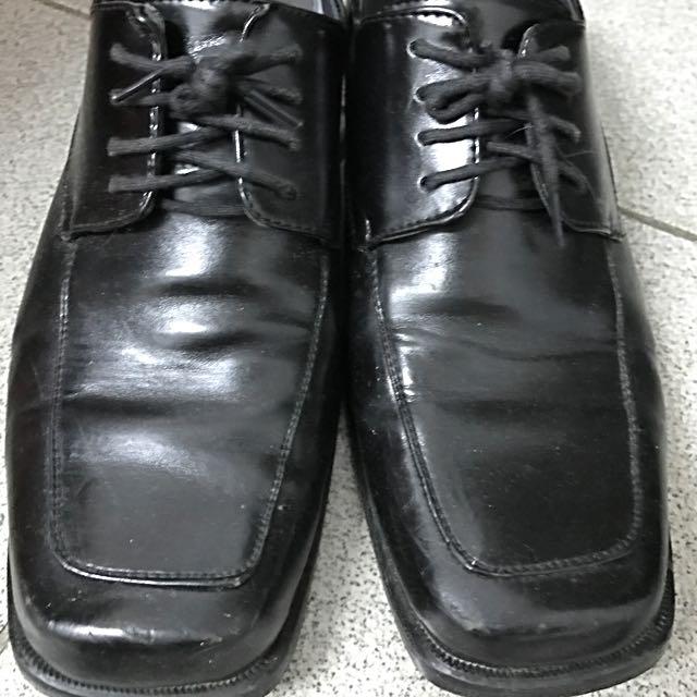 黑皮鞋 沒在穿皮鞋,放著佔空間