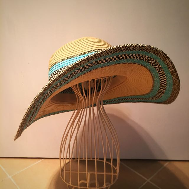 Cotton On Floppy Beach Hat