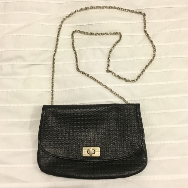 Cross Body Shoulder Bag Clutch in Black