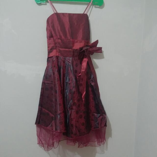 DRESS PESTA PROM MAROON