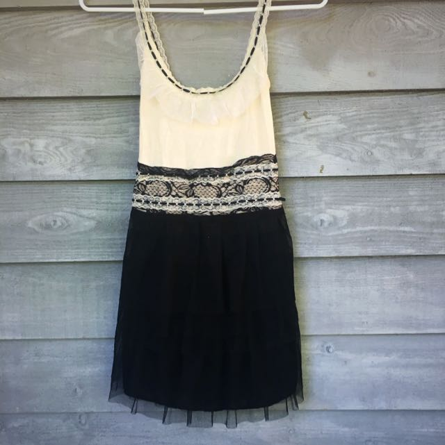 Funky Valley Girl Dress BNWT XS