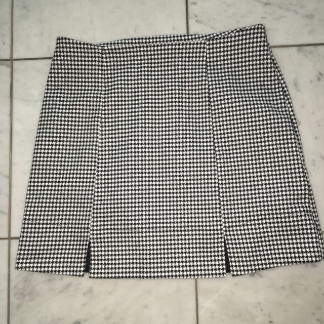 Houndstooth Skirt Size 8
