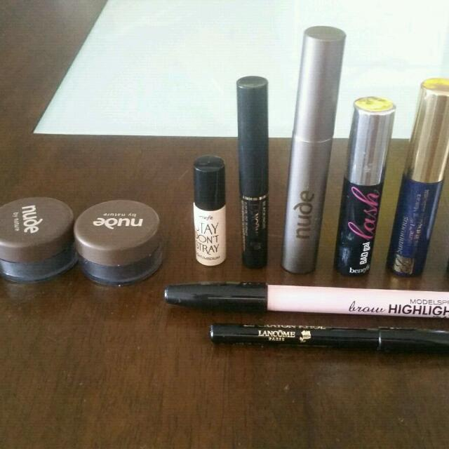 Makeup Bundle. It Includes Nude By Nature, Benefit And Estee Lauder. Most Are Minis