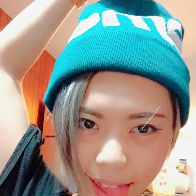 supreme 2015大字毛帽