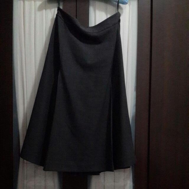 TheMe深灰色6片裙34號