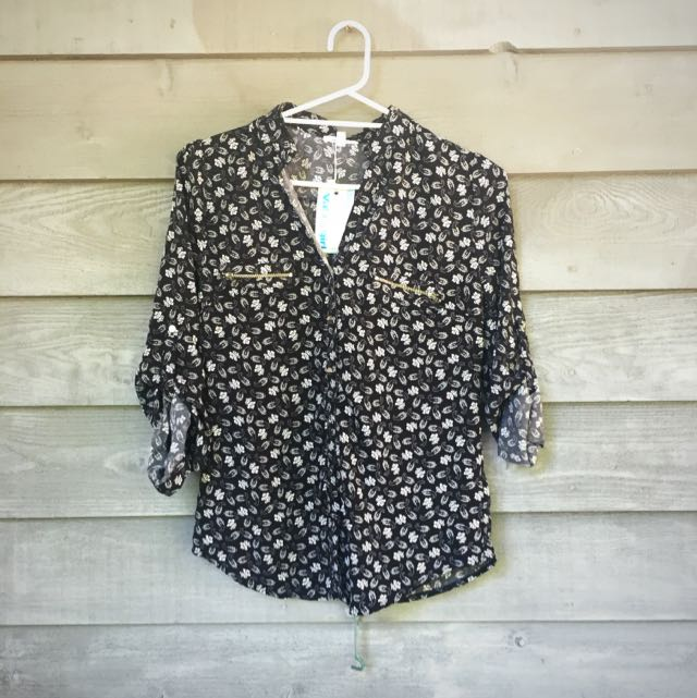 Valley Girl Button Up Blouse BNWT