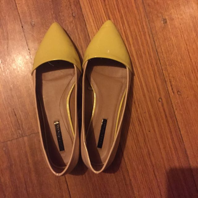 Zara flat shoes!Good condition!