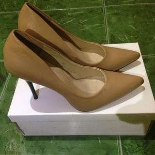High Heels - Iconinety9