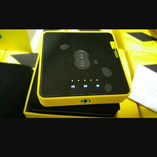 Super Wifi Egg/ WiFi Hotspot/portable WiFi Router. 15 Users 25 Hour Battery Life. 4G LTE 3G