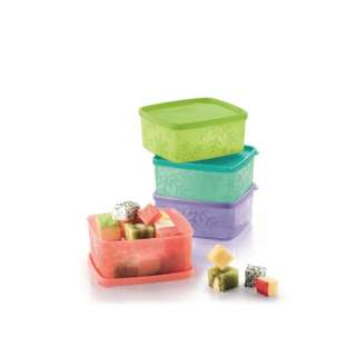 Tupperware Snow Flake Air Tight Container