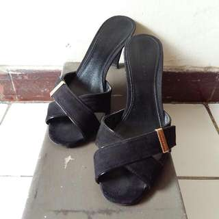 Charles & Keith Sandal Black