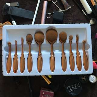 (SOLD) Rose Gold Oval Brushes