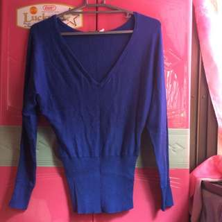 Pullover blue color
