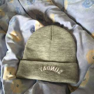 grey 'Sunday' beanie from 'factorie'