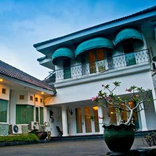 Villa Di Jakarta Timur... Srimanganti Guesthouse
