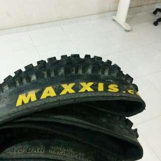 MAXXIS HIGH ROLLER TIRE
