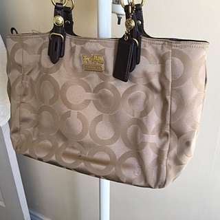 Coach Authentic Handbag (price Reduced)