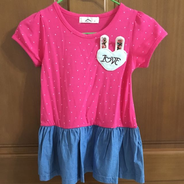 粉紅色小洋裝
