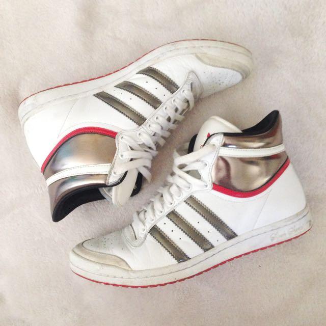 🏷 Adidas Sneakers