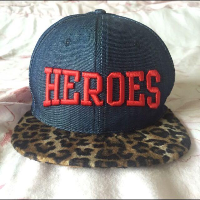 HEROES 帽子
