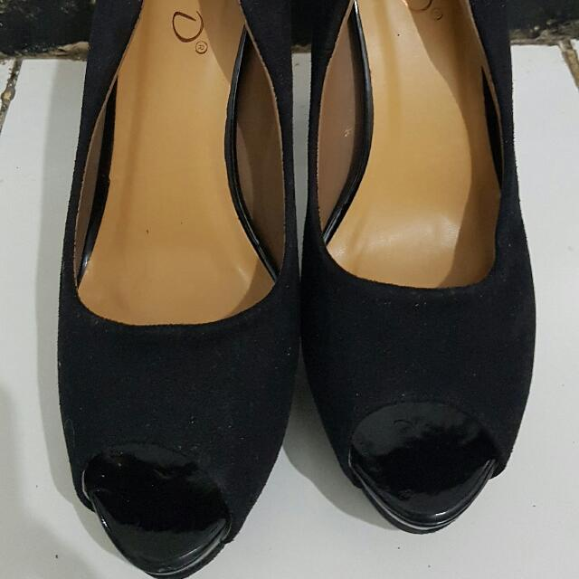 Sepatu FLD Black High Heels