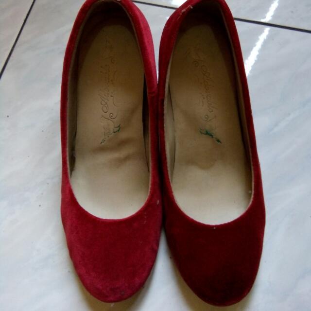 Sepatu Merah Adorable Project Red Kitten Heela
