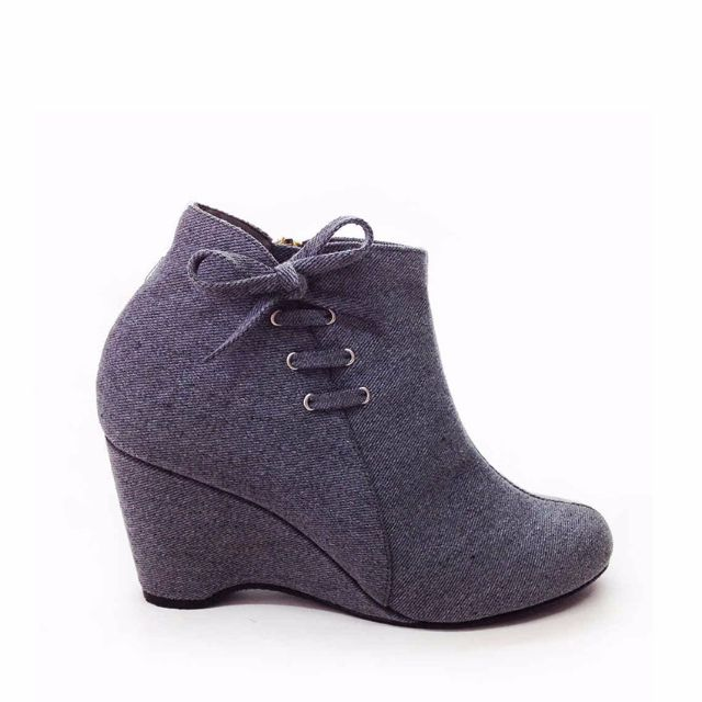The Zukka woman boots Lower Than Other